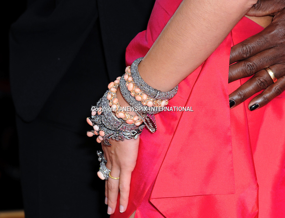 PAINTED FINGER NAILS FOR SEAL AND BRACELETS FOR WIFE HEIDI KLUM.81st Annual Academy Awards for outstanding film achievements of 2008  were presented at the Kodak Theatre at Hollywood & Highland Center®, Los Angeles_22/02/2009.PHOTO CREDIT MANDATORY: ©Dias/NEWSPIX INTERNATIONAL  .(Failure to by-line the photograph will result in an additional 100% reproduction fee surcharge)..            *** ALL FEES PAYABLE TO: NEWSPIX INTERNATIONAL ***..IMMEDIATE CONFIRMATION OF USAGE REQUIRED:Tel:+441279 324672..Newspix International, 31 Chinnery Hill, Bishop's Stortford, ENGLAND CM23 3PS.Tel: +441279 324672.Fax: +441279 656877.Mobile: +447775681153.e-mail: info@newspixinternational.co.uk