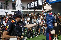 October 25, 2018 - Mexico-City, Mexico - Motorsports: FIA Formula One World Championship 2018, Grand Prix of Mexico, ..#33 Max Verstappen (NLD, Aston Martin Red Bull Racing) smashes a pinata  (Credit Image: © Hoch Zwei via ZUMA Wire)