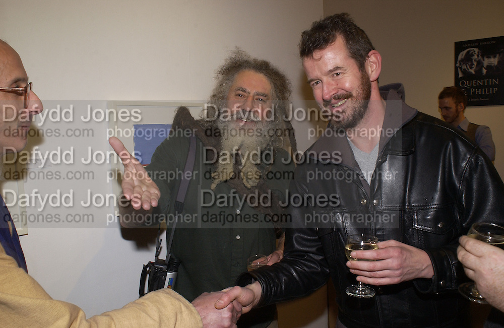 Andrew Mars-Jones (right) at Andrew Barrow book party, Redfern Gallery, London. 20 November 2002. © Copyright Photograph by Dafydd Jones 66 Stockwell Park Rd. London SW9 0DA Tel 020 7733 0108 www.dafjones.com