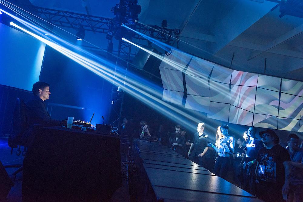 NOCTURNE 1, 21:00 - 03:00, Musée d'art contemporain de Montréal (MAC) , Salle Principale, Moritz von Oswald.