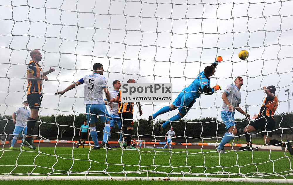 Panic in the Forfar goal Grant Adam punches clear against Berwick.....(c) BILLY WHITE | SportPix.org.uk
