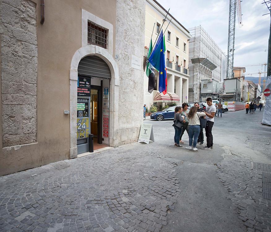 Negozio di tabacchi nel centro della citt&agrave; dell'Aquila,<br /> <br /> Tobacco shop in the center of L'Aquila