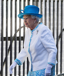 © London News Pictures. 24/07/2012. London, UK. HRH QUEEN ELIZABETH II arriving at 10 Downing street for a lunch with Prime Minister David Cameron on July 24, 2012. Photo credit: Ben Cawthra/LNP.