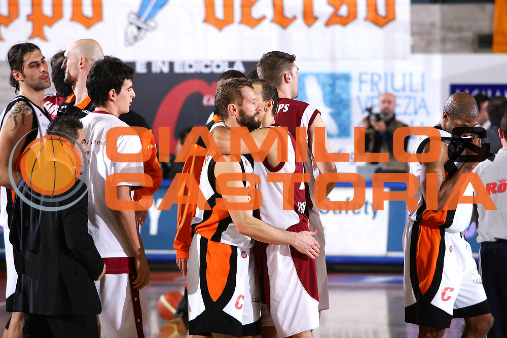 DESCRIZIONE : Udine Lega A1 2005-06 Snaidero Udine Basket Livorno <br /> GIOCATORE : Mian Abbio <br /> SQUADRA : Basket Livorno Snaidero Udine <br /> EVENTO : Campionato Lega A1 2005-2006 <br /> GARA : Snaidero Udine Basket Livorno <br /> DATA : 25/11/2005 <br /> CATEGORIA : Esultanza <br /> SPORT : Pallacanestro <br /> AUTORE : Agenzia Ciamillo-Castoria/S.Silvestri