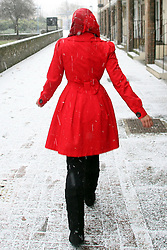 © under license to London News Pictures. 2010.12.17  Snow hits London again this afternoon (Fri) with freezing temperatures and blizzard conditions .Picture credit should read Carmen Valino/London News Pictures...