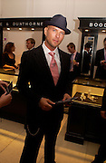 Matt Goss, British Luxury Club, Celebration, the Orangery, Kensington Palace. 16 September 2004. SUPPLIED FOR ONE-TIME USE ONLY-DO NOT ARCHIVE. © Copyright Photograph by Dafydd Jones 66 Stockwell Park Rd. London SW9 0DA Tel 020 7733 0108 www.dafjones.com