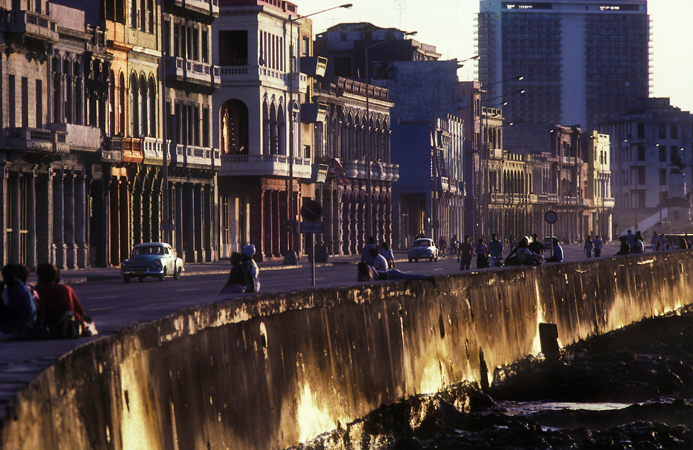22 Aug 1996, Havana, Cuba ---The waterfront or El Malecon --- Image by © Jeremy Horner