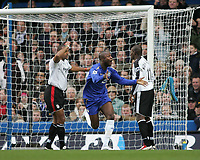 Photo: Lee Earle.<br /> Chelsea v Fulham. The Barclays Premiership. 26/12/2005. Cheslea's William Gallas (C) celebrates scoring their opening goal.