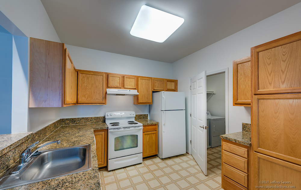 Interior image of Lee Trace Apartments in Martinsburg West Virginia by Jeffrey Sauers of Commercial Photographics, Architectural Photo Artistry in Washington DC, Virginia to Florida and PA to New England