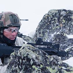 Stage d'aguerrissement de légionnaires de la Compagnie d'Appui du 2ème Régiment Etranger d'Infanterie au Groupement d'Aguerrissement Montagne. Formation aux techniques montagne, progressions en raquette dans la neige, tir au camp des Rochilles, franchissement d'équipement de passage et entraînement à l'intervention en forêt. <br /> Février 2017 / Modane (73) / FRANCE<br /> Voir le reportage complet (228 photos)<br /> http://sandrachenugodefroy.photoshelter.com/gallery/2017-02-Stage-daguerrissement-au-GAM-Complet/G000010VXzQY4m8o/C0000yuz5WpdBLSQ