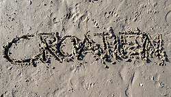"SYMBOLBILD - der Schriftzug ""Croatien"" in Sand geschrieben, aufgenommen am 23.08.2015 in Caorle, Italien // the lettering ""Croatien"" written in sand in Caorle, Italia on 2015/08/23. EXPA Pictures © 2015, PhotoCredit: EXPA/ Jakob Gruber"