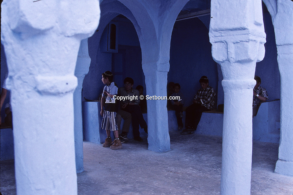Sheba Synagogue (and yeshiva Jewish school) in Hara Sghira, Jewish village  Djerba  Tunisia     /// synaguogue de Sheba (et yeshiva, école juive) du village juif de Hara Sghira  Djerba  Tunisie   /// R322/    L004825  /  P0008202