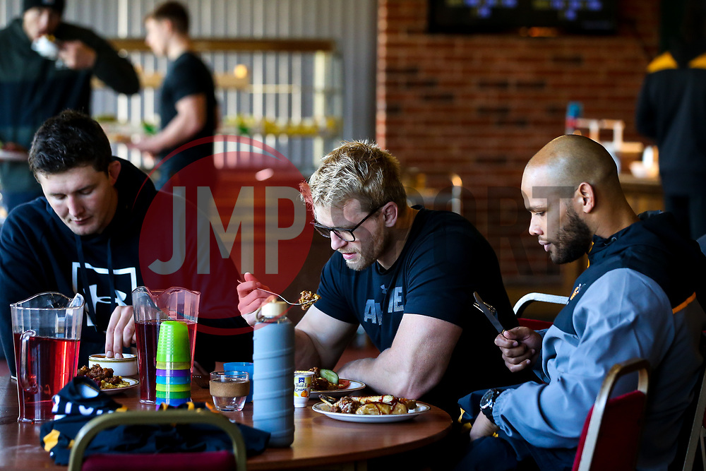 Charlie Matthews, Nizaam Carr and Ben Morris of Wasps have lunch during training ahead of the European Challenge Cup fixture against SU Agen - Mandatory by-line: Robbie Stephenson/JMP - 18/11/2019 - RUGBY - Broadstreet Rugby Football Club - Coventry , Warwickshire - Wasps Training Session