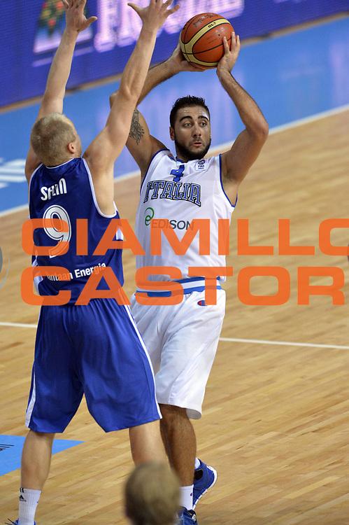 DESCRIZIONE : Capodistria Koper Slovenia Eurobasket Men 2013 Preliminary Round Finlandia Italia Finland Italy<br /> GIOCATORE : Pietro Aradori<br /> CATEGORIA : Passaggio<br /> SQUADRA : Italia <br /> EVENTO : Eurobasket Men 2013<br /> GARA : Finlandia Italia Finland Italy<br /> DATA : 07/09/2013<br /> SPORT : Pallacanestro&nbsp;<br /> AUTORE : Agenzia Ciamillo-Castoria/GiulioCiamillo<br /> Galleria : Eurobasket Men 2013 <br /> Fotonotizia : Capodistria Koper Slovenia Eurobasket Men 2013 Preliminary Round Finlandia Italia Finland Italy<br /> Predefinita :