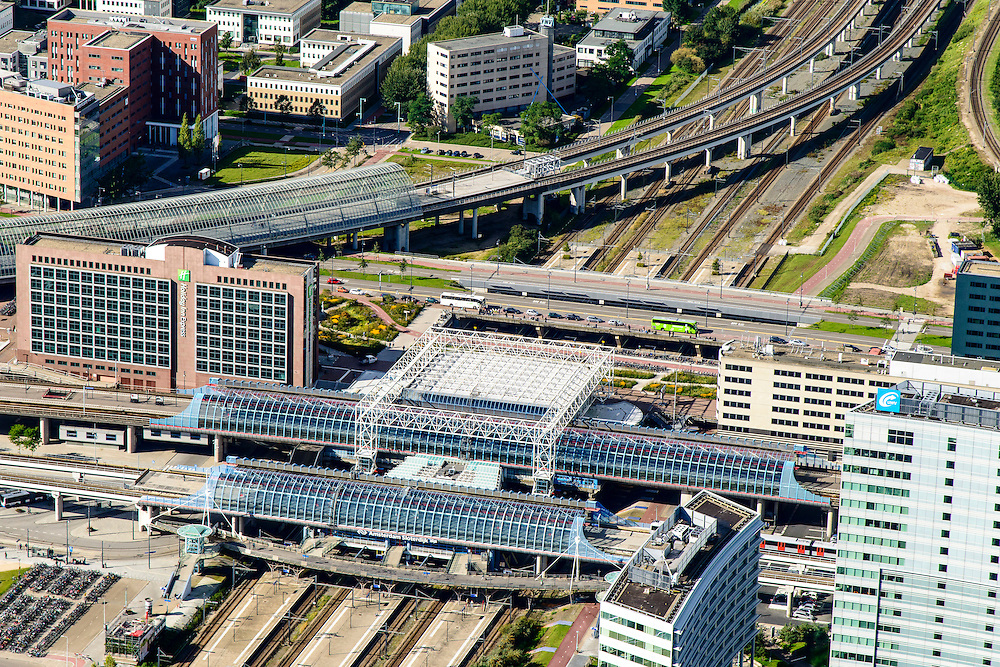 Nederland, Noord-Holland, Amsterdam, 27-09-2015; Amsterdam-West, Sloterdijk telepoort. Station Sloterdijk, Orlyplein. Spoorlijn richting Zaandam.<br /> <br /> Amsterdam West, railway station. <br /> luchtfoto (toeslag op standard tarieven);<br /> aerial photo (additional fee required);<br /> copyright foto/photo Siebe Swart