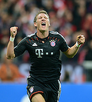FUSSBALL   CHAMPIONS LEAGUE   SAISON 2012/2013   GRUPPENPHASE   FC Bayern Muenchen - FC Valencia                            19.09.2012 Jubel nach dem Tor zum 1:0 durch Bastian Schweinsteiger (FC Bayern Muenchen)