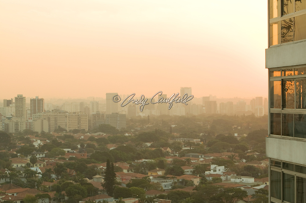 Sunset over Jardim America residential district, Itaim Bibi and Pinheiros districts in background, Sao Paulo, Brazil.