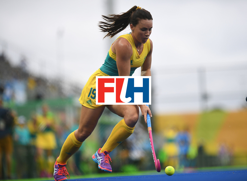 Australia's Georgie Parker controls the ball during the women's field hockey India vs Australia match of the Rio 2016 Olympics Games at the Olympic Hockey Centre in Rio de Janeiro on August, 10 2016. / AFP / MANAN VATSYAYANA        (Photo credit should read MANAN VATSYAYANA/AFP/Getty Images)