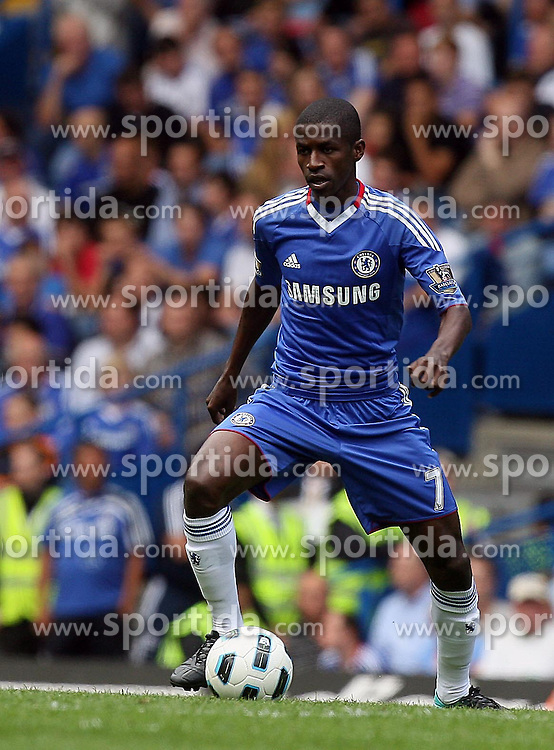 28.08.2010, Stamford Bridge, London, ENG, PL, FC Chelsea vs Stoke City, im Bild Action involving new signing Ramires of Chelsea. EXPA Pictures © 2010, PhotoCredit: EXPA/ IPS/ Marcello Pozzetti +++++ ATTENTION - OUT OF ENGLAND/UK +++++ / SPORTIDA PHOTO AGENCY