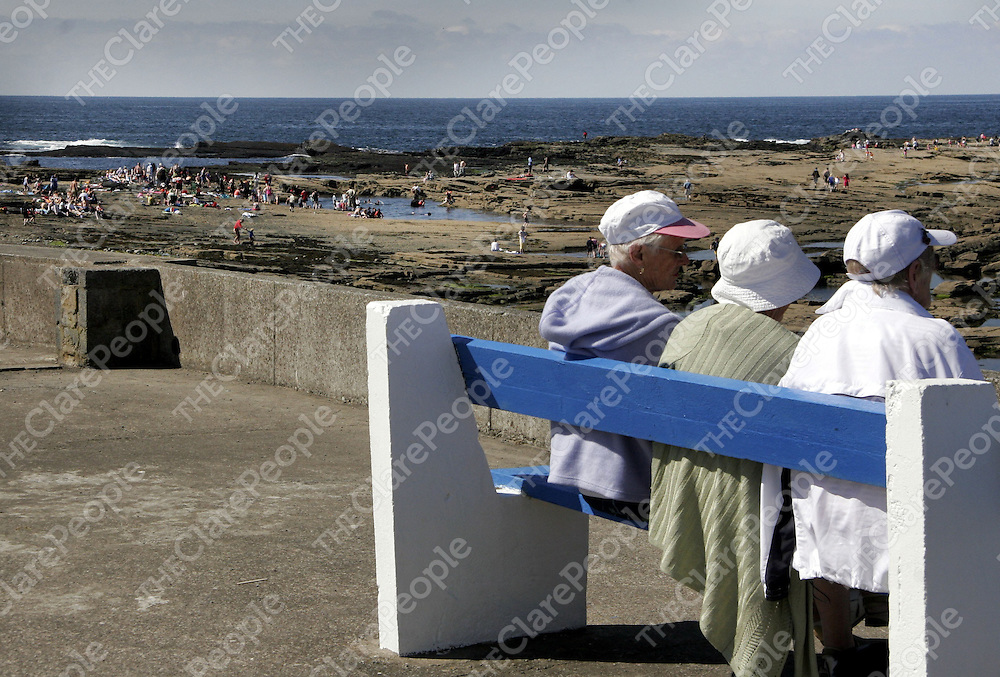 There was a need for sun hats to be taken out during the week as once again the sunshine split the rocks in Kilkee.<br /> <br /> Photograph by Yvonne Vaughan.