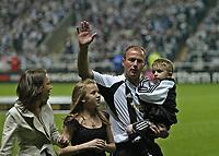Photo: Andrew Unwin.<br /> Newcastle United v Glasgow Celtic. Alan Shearer Testimonial. 11/05/2006.<br /> Newcastle's Alan Shearer and family.
