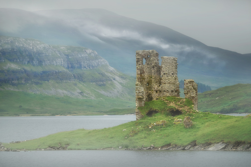 Europe, Great Britain, United Kingdom, Scotland, Lochinver, Loch Assynt, Ardvreck Castle