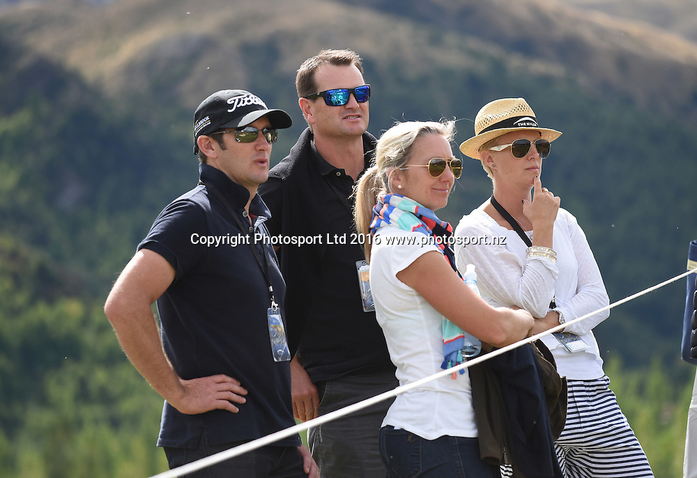 Fans look on during round 4 at The Hills during 2016 BMW ISPS Handa New Zealand Open. Sunday 13 March 2016. Arrowtown, New Zealand. Copyright photo: Andrew Cornaga / www.photosport.nz