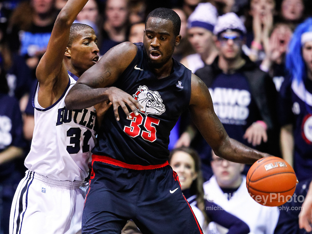 INDIANAPOLIS, IN - JANUARY 19: Kameron Woods #31 of the Butler Bulldogs guards as Sam Dower #35 of the Gonzaga Bulldogs makes a move to the basket at Hinkle Fieldhouse on January 19, 2013 in Indianapolis, Indiana. Butler defeated Gonzaga 64-63. (Photo by Michael Hickey/Getty Images) *** Local Caption *** Kameron Woods; Sam Dower