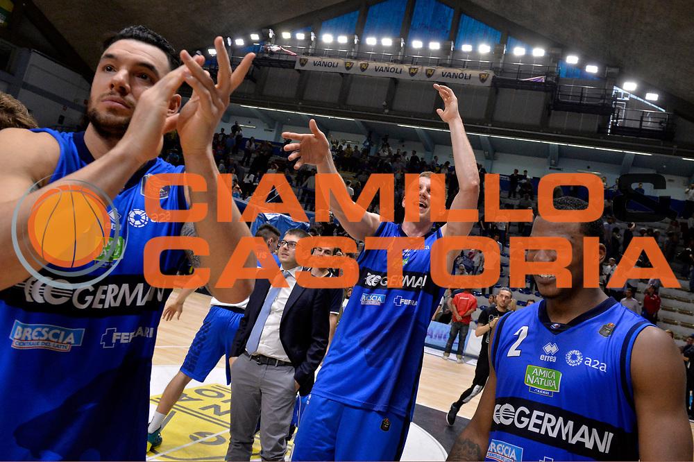Christian Burns, Jared Berggren, Lee Moore<br /> Vanoli Cremona - Germani Basket Brescia Leonessa<br /> Lega Basket Serie A 2016/2017<br /> Cremona, 09/04/2017<br /> Foto M.Ceretti / Ciamillo - Castoria