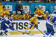 26.01.2019; Davos; EISHOCKEY SCHWEIZER CUP - HC Davos - SC Bern; <br /> Trainer Kari Jalonen (Bern) Andri Spiller (Bern) <br /> (Andy Mueller/freshfocus)
