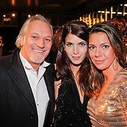 NLD/Amsterdam/20101209 - VIP avond Miljonairfair 2010, Frank Wisse en partner Gaby Hingst en .........