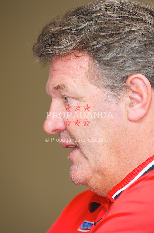 LUXEMBOURG CITY, LUXEMBOURG - Tuesday, March 25, 2008: Wales' manager John Toshack during a press conference at the Novotel ahead of the International Friendly match against Luxembourg. (Photo by David Rawcliffe/Propaganda)