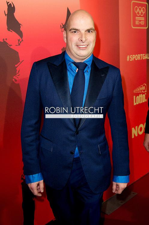 AMSTERDAM - Koen Everink dood gevonden in zijn huis Selfmade miljonair Koen Everink arriveert op de rode loper van het NOCNSF Sportgala waar zij kandidaat is voor de titel sportvrouw van het jaar 2015. COPYRIGHT ROBIN UTRECHT