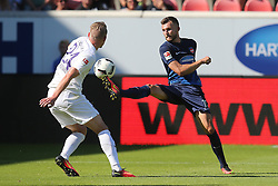07.08.2016, Voith Arena, Heidenheim, GER, 2. FBL, 1. FC Heidenheim vs FC Erzgebirge Aue, 1. Runde, im Bild Steve Breitkreuz ( FC Erzgebirge Aue ) Denis Thomalla ( 1.FC Heidenheim ) // during the 2nd German Bundesliga 1st round match between 1. FC Heidenheim and FC Erzgebirge Aue Voith Arena in Heidenheim, Germany on 2016/08/07. EXPA Pictures © 2016, PhotoCredit: EXPA/ Eibner-Pressefoto/ Langer<br /> <br /> *****ATTENTION - OUT of GER*****
