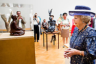 8-5-2018 THE HAGUE - Princess Beatrix of the Netherlands opens the jubilee exhibition 'Beeldreflecties, De Nederlandse Kring van Beeldhouwers 100 years later' in Pulchri Studio in The Hague on Tuesday afternoon. COPYRIGHT ROBIN UTRECHT