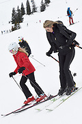 Fotosessie met de koninklijke familie in Lech /// Photoshoot with the Dutch royal family in Lech .<br /> <br /> Op de foto/ On the photo: Koningin Maxima en Prinses Alexia  ///// Queen Maxima and Prinses Amalia