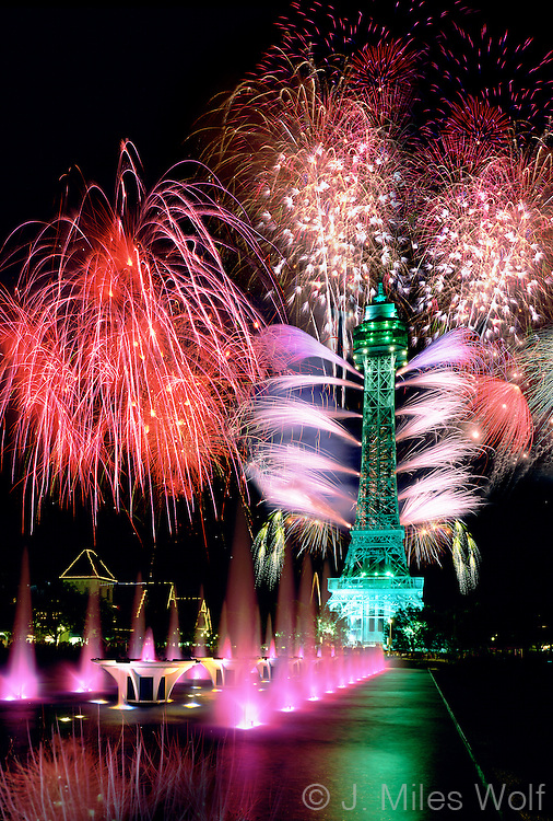Kings Island Eiffel Tower Fireworks