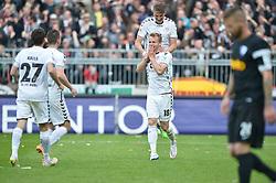 Football: Germany, 2. Bundesliga, 17.05.2015<br />Lennart Thy (FC St. Pauli, #18) feiert sein zweites Tor zum 4:1 mit Philipp Ziereis (FC St. Pauli, #4)<br />© pixathlon