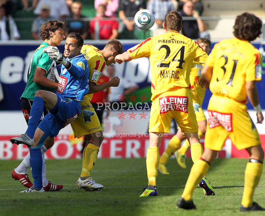 28.08.2011, Keine Sorgen Arena, Ried im Innkreis, AUT, 1.FBL, SV Josko Ried vs KSV 1919, im Bild Chance fuer SV Ried, EXPA Pictures © 2011, PhotoCredit: EXPA/ R. Hackl