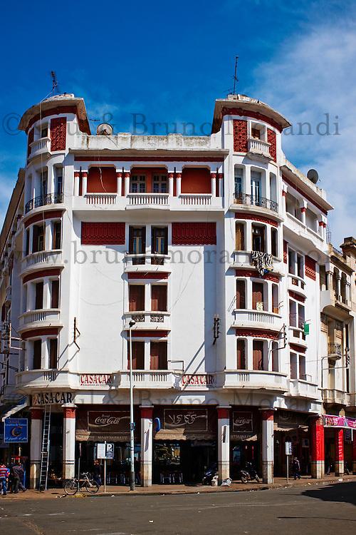 Maroc, Casablanca, immeuble rue Allal Ben Abdallah // Morocco, Casablanca, Allal Ben Abdallah street