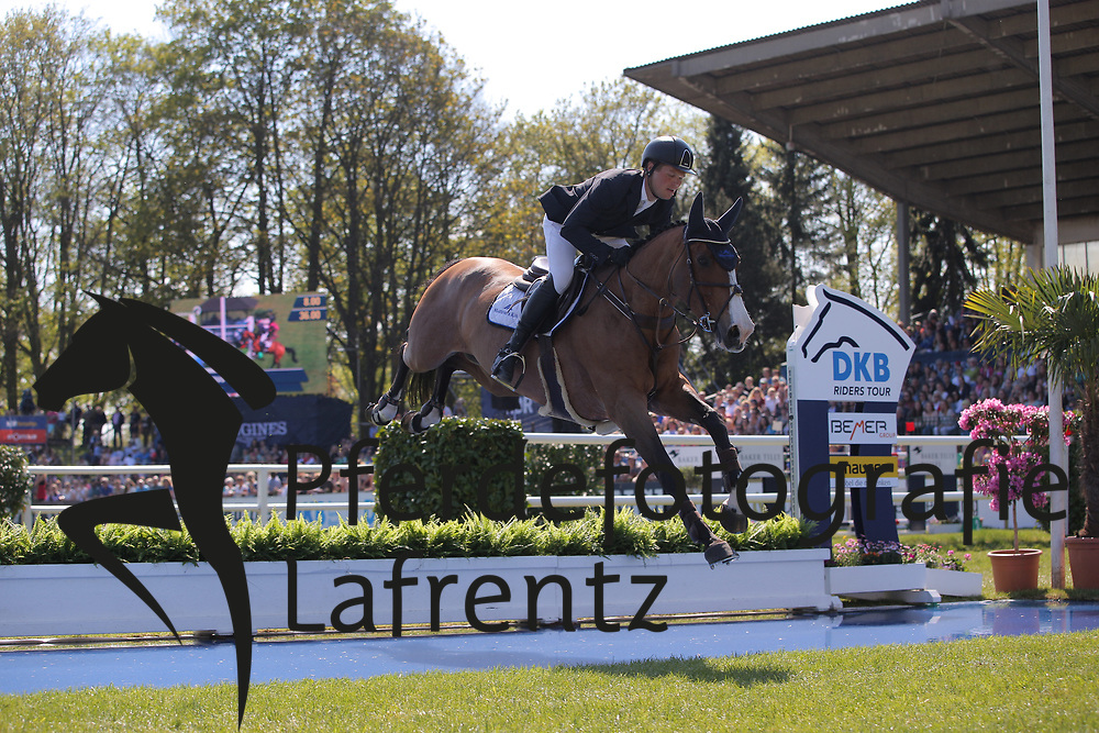 Hamburg - Hamburger Derby 2016<br /> L&uuml;neburg, Rasmus (GER) Quintana<br /> &copy; Stefan Lafrentz
