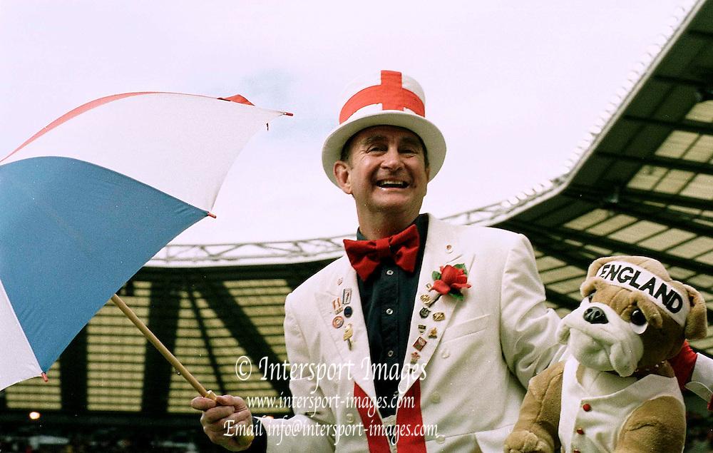 Twickenham, United Kingdom.  Lloyds TSB Six Nations Championship. England vs France, 07/04/2001.England's touch line mascot. [Mandatory Credit; Peter Spurrier/Intersport Images].. ...........