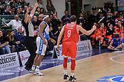 DESCRIZIONE : Beko Legabasket Serie A 2015- 2016 Playoff Quarti di Finale Gara3 Dinamo Banco di Sardegna Sassari - Grissin Bon Reggio Emilia<br /> GIOCATORE : Andrea De Nicolao<br /> CATEGORIA : Ritratto Esultanza<br /> SQUADRA : Grissin Bon Reggio Emilia<br /> EVENTO : Beko Legabasket Serie A 2015-2016 Playoff<br /> GARA : Quarti di Finale Gara3 Dinamo Banco di Sardegna Sassari - Grissin Bon Reggio Emilia<br /> DATA : 11/05/2016<br /> SPORT : Pallacanestro <br /> AUTORE : Agenzia Ciamillo-Castoria/L.Canu