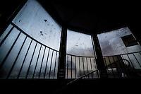 Dugga vinduer i et trappehus i Ålesund.<br /> Foto: Svein Ove Ekornesvåg