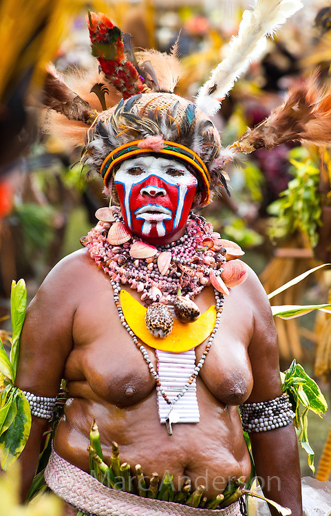 Portrait of a woman from Hagen district dressed in traditional tribal dress for the Goroka Show, an annual Singsing Festival in the highlands of Papua New Guinea