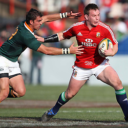 Ruan Pienaar of South Africa and Matthew Rees of the British and Irish Lions during the British and Irish Lions tour 2009 <br /> LIONS TOUR 2009 SOUTH AFRICA