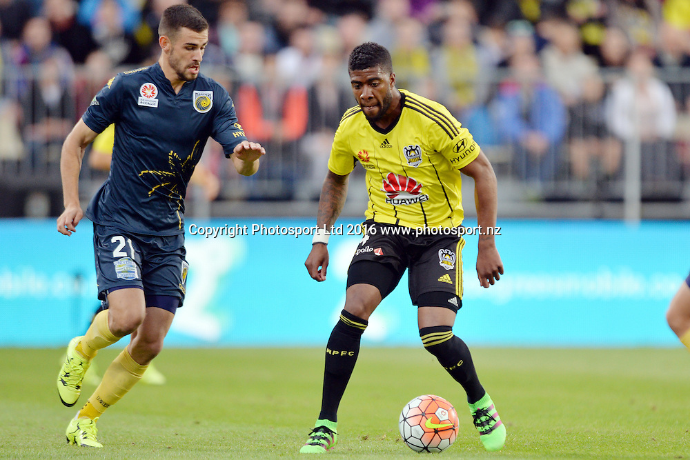 Roly Bonevacia of the Phoenix controls the ball from Michael Neill of the Mariners during the round 17 A-League match between the Wellington Phoenix and the Central Coast Mariners at AMI Stadium in Christchurch, New Zealand. 30 January 2016. Photo: Kai Schwoerer / www.photosport.nz