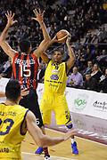 DESCRIZIONE : Ancona Lega A 2012-13 Sutor Montegranaro Angelico Biella<br /> GIOCATORE : Tamar Slay<br /> CATEGORIA : tiro<br /> SQUADRA : Sutor Montegranaro<br /> EVENTO : Campionato Lega A 2012-2013 <br /> GARA : Sutor Montegranaro Angelico Biella<br /> DATA : 02/12/2012<br /> SPORT : Pallacanestro <br /> AUTORE : Agenzia Ciamillo-Castoria/C.De Massis<br /> Galleria : Lega Basket A 2012-2013  <br /> Fotonotizia : Ancona Lega A 2012-13 Sutor Montegranaro Angelico Biella<br /> Predefinita :
