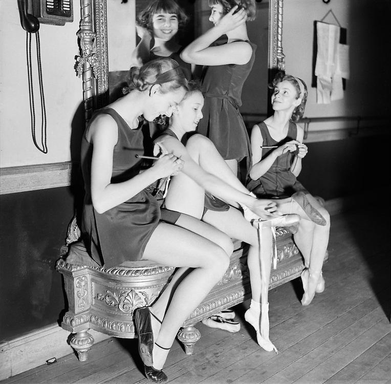 Sadler's Wells Ballet, Nursery Dancers, England, 1934
