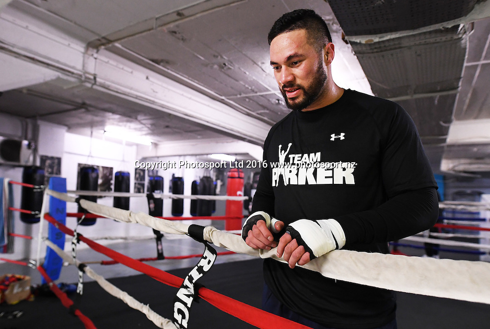 New Zealand heavyweight boxer Joseph Parker during a training session at The Wreck Room in Auckland ahead of his fight on October 1. Burger King Road to the Title by Duco Boxing. Thursday 22 September 2016. © Copyright Photo: Andrew Cornaga / www.photosport.nz